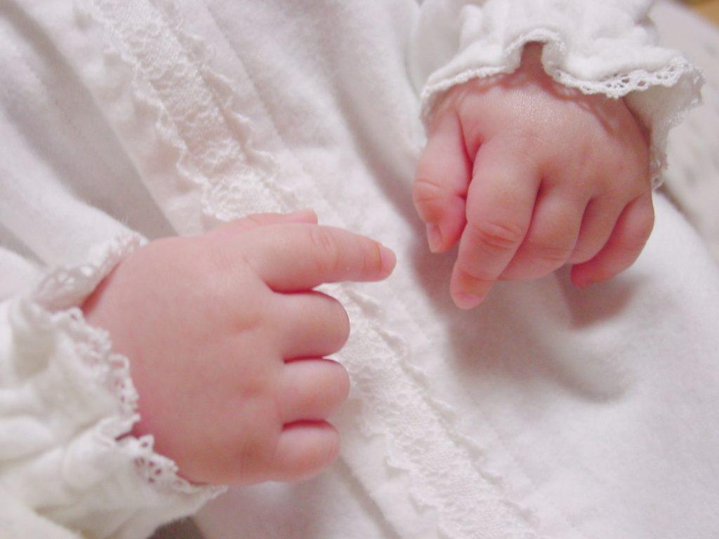 【赤ちゃんの発育】産後1か月の赤ちゃんの発育の状況
